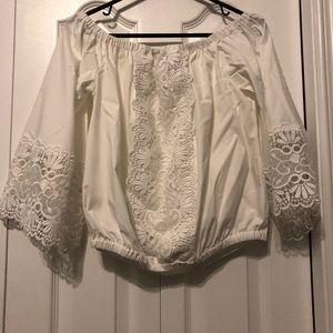 EUC Women's off the Shoulder Top. Size M